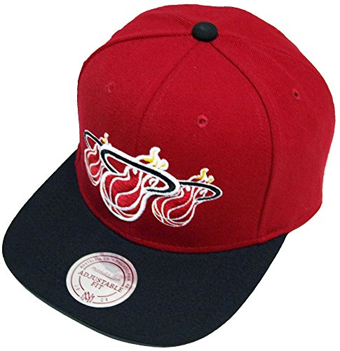 Mitchell & Ness and Miami Heat Tristack Logo NP57Z Snapback Cap Kappe Basecap