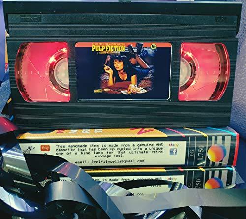 Retro VHS Lampe Pulp Fiction Quentin Tarantino, Nachtlicht, tolles Geschenk für jeden Film-Fan, S1, USB betrieben mit Fernbedienung
