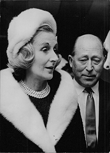 vintage-photo-of-head-of-eagle-star-insurance-sir-brian-with-lady-mountain