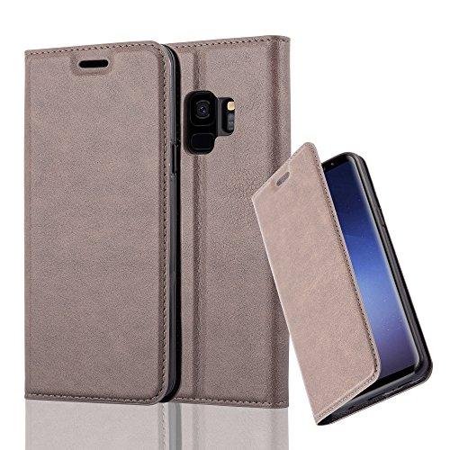 Preisvergleich Produktbild Cadorabo Hülle für Samsung Galaxy S9 - Hülle in Kaffee Braun – Handyhülle mit Magnetverschluss,  Standfunktion und Kartenfach - Case Cover Schutzhülle Etui Tasche Book Klapp Style