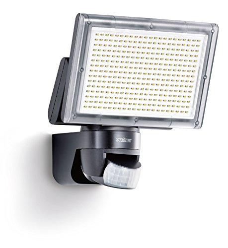Steinel Faro a LED XLED Home 3 nero - NUOVO colore della luce bianco neutro 4000K, Faro LED per Esterni con Sensore a Raggi Infrarossi, angolo di rilevamento di 140° gradi e raggio d'azione di max. 14 m, potenza 20 W, 1426 lumen, luce di sicurezza orientabile