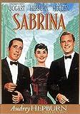 Ce classique de la comédie romantique réunit Audrey Hepburn, William Holden et surtout, Humphrey Bogart dans un génial contre-emploi. Dans cette version moderne de Cendrillon, on retrouve la verve habituelle du metteur en scène, toujours apte à bross...