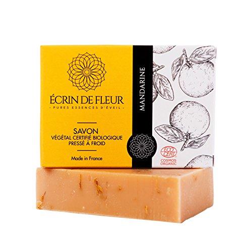 Écrin De Fleur – Savon à la Mandarine certifié Biologique par Ecocert – Savon surgras enrichi en Beurre de Karité, saponifié à froid infusé à l'huile essentielle de Tangerine, aux fleurs de Calendula.