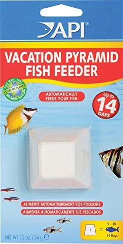API HOLIDAY PYRAMID FISH FEEDER