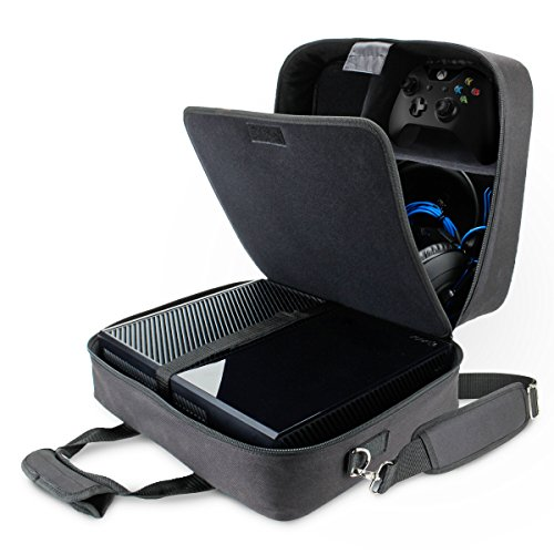 USA Gear Tragetasche für Gaming Konsolen - Schutz Konsolentasche mit Schultergurt und Unterteilbaren Fächer für Zubehör und Games - Kompatibel mit Playstation 4, Xbox One und Mehr Konsolen - Schwarz (Xbox Tragetasche)