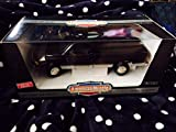 ERTL 1/18 Scale Metal Model Car 7334 - 1996 Dodge RAM 2500 SLT - Black/Silver
