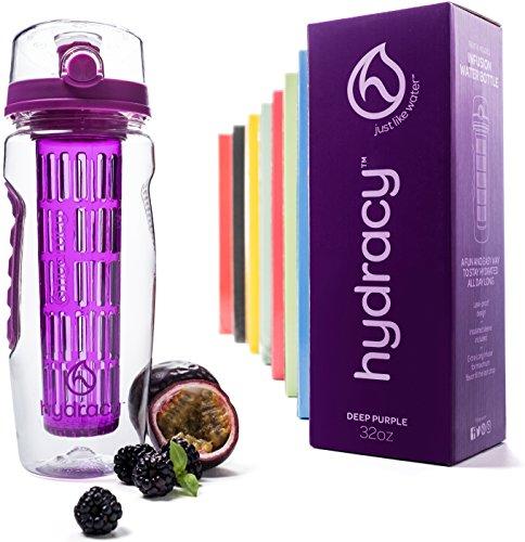 Hydracy Trinkflasche für Fruchtschorlen (946ml) in verschiedenen Farben, mit langem Infuser und Isolierhülle - 100% dicht und perfekt für Sport & Freizeit - Lila