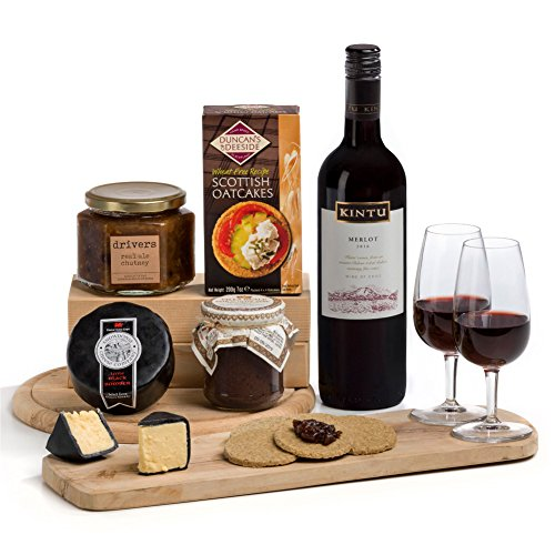 Hay Hampers Vegetarian Ploughman's Feast Cheese Hamper - FREE UK Delivery