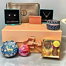 Womens Gift Hamper Her / 2 x Scented Candles, 4 x Chocolates, Gold Plated Earrings and Necklaces, Bath Bomb, Soap, Handbag
