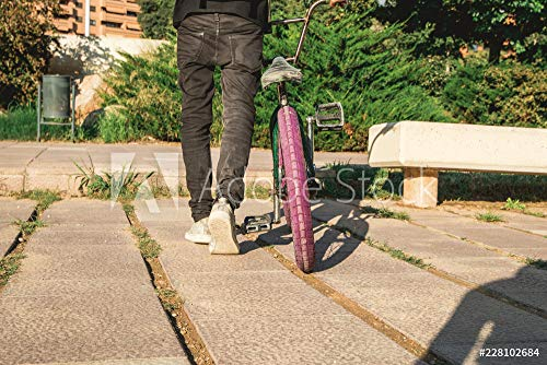 druck-shop24 Wunschmotiv: Portrait of a Guy with a BMX Bike. #228102684 - Bild auf Leinwand - 3:2-60 x 40 cm / 40 x 60 cm -