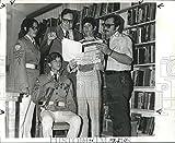 Historique des Images 1972Press Photo Printemps Concert d'Edna KARR Junior High School Discutés–8x 10en