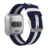 MoKo Bande pour Montre Fitbit Versa/Blaze, Sangle réglable de Sport en Nylon tissé Fine Bande de Remplacement pour Fitbit Versa/Blaze Fitness Bracelet, Longueur de Poignet 125mm-190mm, Bleu et Blanc