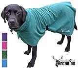 Arcadian Mikrofaser Hunde Bademantel. Diese luxuriösen Bademäntel sind leicht, schnell trocknend und super saugfähig.