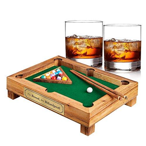 AMAVEL – Set – Mini-Billardtisch aus Edelholz mit Plakette – Personalisiert mit [Namen] – Zwei Whiskygläser – Tumbler – Geschicklichkeitsspiel – Geschenkidee für Männer zum Vatertag oder Geburtstag