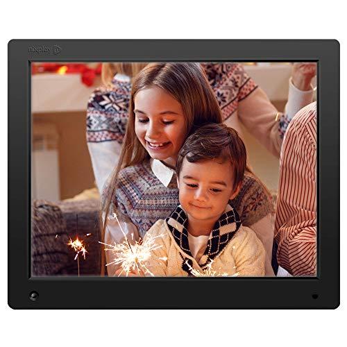 NIXPLAY Original Digitaler Bilderrahmen WLAN 15 Zoll W15A. Fotos & Videos per App oder Email an den Elektronischen Fotorahmen übertragen. Auto On/Off Funktion. Inkl. Fernbedienung