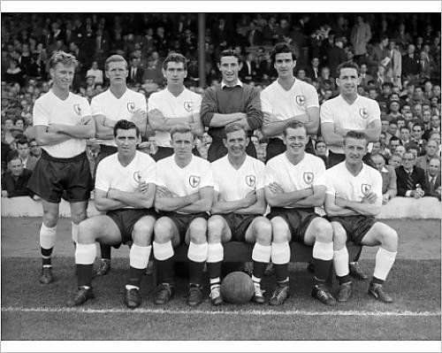 photographic-print-of-tottenham-hotspur-1960-61-league-and-fa-cup-double-winners