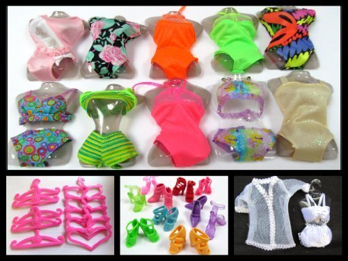 Preisvergleich Produktbild 21 Piece Barbie Doll Set (1) Dresses, Bikini's, Nightwear, Shoes & Hangers By Milly's Shop