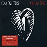 Songtexte von Foo Fighters - One by One