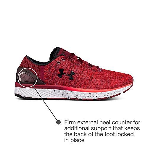 Sotto Gli Uomini Armatura E Altri Hanno Caricato Il Rosso Del Maratona Bandito 3