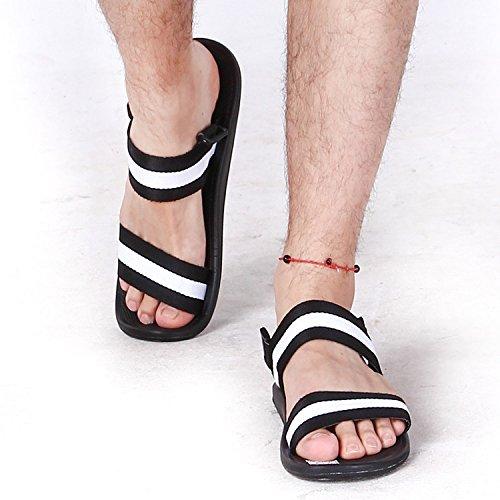 les sandales, pantoufles de la mode des chaussures de plage l'été, fan de sport, pour les étudiants, des pantoufles et pantoufles Black