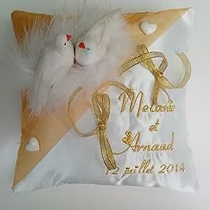 Coussin porte alliances brodé / personnalisé - theme du mariage : les colombes