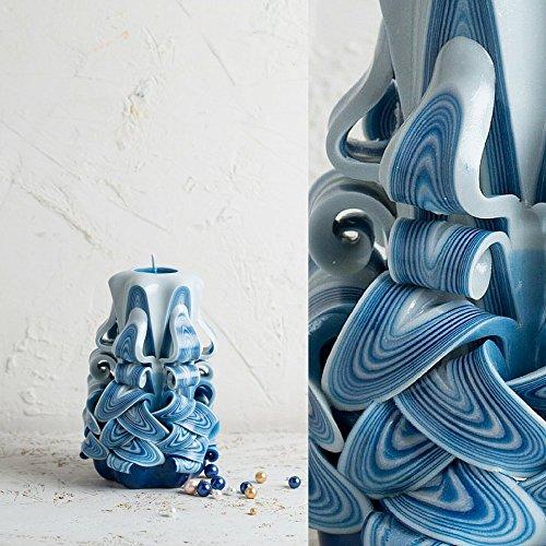Kleine Hawdala-Kerze in hellem Blau und Weiß - dekorativ geschnitzte Kerzen in Handarbeit - (Halloween Ideen Hausgemachte Dekorationen)