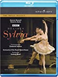 Best Suivant Costumes - Sylvia [Blu-ray] [(+booklet)] [Import italien] Review