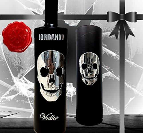 Geschenkset Black Skull Sonderedition Wodka Luxus Designer Vodka Iordanov mit Crystal Head in der Vintage Black Box mit original Chrome-Skull verziert. Luxus Geschenk für Männer und Frauen. Die Alternative zu Belvedere Absolut & Grey Goose