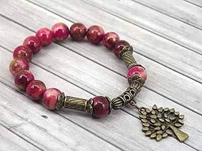 Bracelet vintage tibétain en perles de jade blanc teinté en rouge et pampille en forme d'arbre en bronze antique