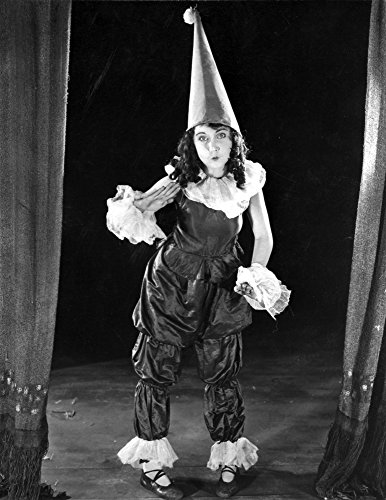 The Poster Corp Fay Wray Dressed in GNOME Outfit Photo Print (60,96 x 76,20 ()