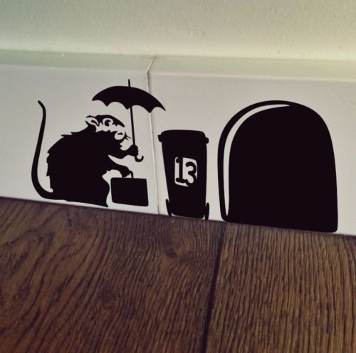 uksellingsuppliers Maus Loch Banksy Ratte mit Fall Sockelleiste Art Wand Aufkleber Vinyl Aufkleber 19cm x 7cm