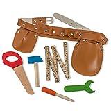 Dress Up America Construction Tool Belt Set mit fünf Holzwerkzeugen Ideal zum Pretend spielen Set umfasstHammer, Falten Lineal, Flachkopfschraubendreher, Schraubenschlüssel, Handsäge und Werkzeuggürtel