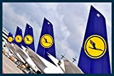 Art-Galerie Bild mit Rahmen Hady Khandani - LUFTHANSA AIRBUS A380-800 TAIL PARADE 2 - Digitaldruck - Holz blau, 119 x 80cm - Premiumqualität - MADE IN GERMANY SHOPde