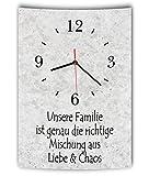 LAUTLOSE Designer Wanduhr mit Spruch Unsere Familie ist genau die richtige Mischung aus Liebe und Chaos grau Betonoptik modern Deko Schild Abstrakt Bild 41 x 28cm