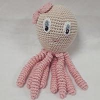 Pulpo amigurumi tamaño Maxi en color rosa claro.