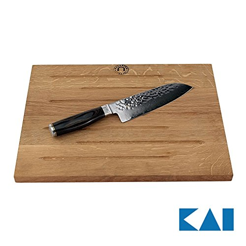 Kai Shun Premier Tim Mälzer Geschenkbox | Santokumesser 18 cm TDM-1702 Japan Messer | + massives großes Kai Rillen Schneidebrett aus Eiche (40x30 cm) | VK: 269,- € -
