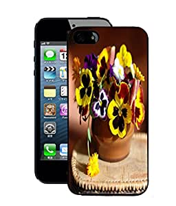 Fuson 2D Printed Flowers Designer Back Case Cover for Apple iPhone 5 - D764