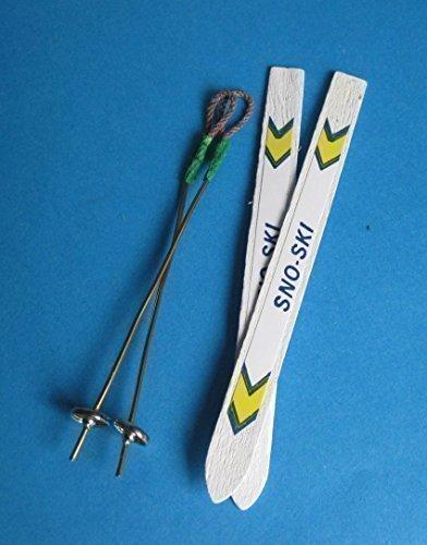 Preisvergleich Produktbild Mini Ski mit Stöcken - 1 Paar für das Puppenhaus Miniaturen 1:12