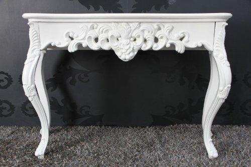 Mesa tocador barroco de color blanco. Decoración floral y patas curvadas de diseño barroco. Clásico.