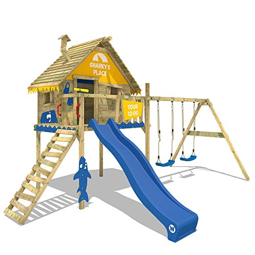 WICKEY Spielturm Smart Sky Stelzenhaus Baumhaus Kletterturm aus Holz mit Doppelschaukel und Holzdach, blaue Rutsche + gelb-blaue Plane
