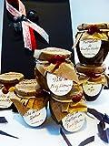 Bonita caja gourmet con lazo de raso estampado y yute ideal para regalar. Contiene 4 patés y 2 mermeladas. Todos, productos artesanos y de categoría gourmet. Sin conservantes ni aditivos. Patés de Conservas La Cuna, en botes de cristal de 85 ...
