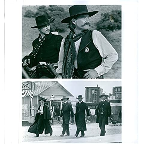 Vintage photo de Val Kilmer, Sam Elliott, Kurt Russell y Bill Paxton en Tombstone.