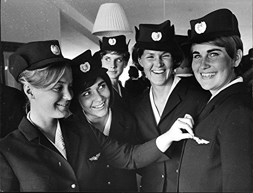 vintage-photo-of-air-hostess-student-louise-hoffsten-heroine-in-angelholm-disaster-seen-to-the-right
