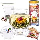 Teabloom Wings of Love Blütentee Geschenkset - 1500ml Borosilikatglas Teekanne, Teekannenwärmer, Gläsernes Tee-Ei, Dose mit 12 blühenden Früchtetees