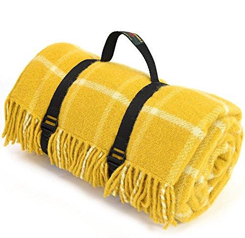 Große reine Wolle Picknickdecke mit wasserdichter Unterseite-Gelb kariert mit schwarzer Rückseite und Träger-Größe 145cm x 183cm