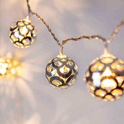 Lights4fun 16er LED Lichterkette perlweiß orientalisch silberne Kugeln 24V