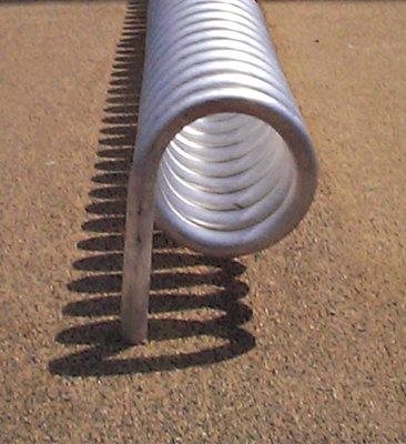Spiral-Fahrradständer, Edelstahl natur, Rohrdurchm . 42 mm, zum Aufschrauben, Breite 1200 mm, Höhe üb -