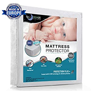 Waterproof Mattress Protector by Dreamzie - Breathable, Hypoallergenic, Anti-Mite, Anti-Bacterial, Anti-Mold Fitted Topper for Double Bed - New Bi-Ome Treatment - 10 Year Warranty