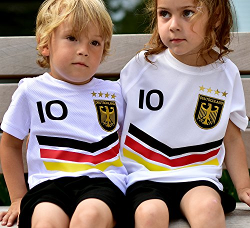 ElevenSports Deutschland Trikot + Hose mit Gratis Wunschname + Nummer + Wappen Typ #DV im EM/WM Weiss - Geschenke für Kinder,Jungen,Baby. Fußball T-Shirt Personalisiert als Weihnachtsgeschenk