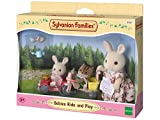 Sylvanian-Families-3567-Triciclo-y-mini-coche-de-juguete-con-3-figuras